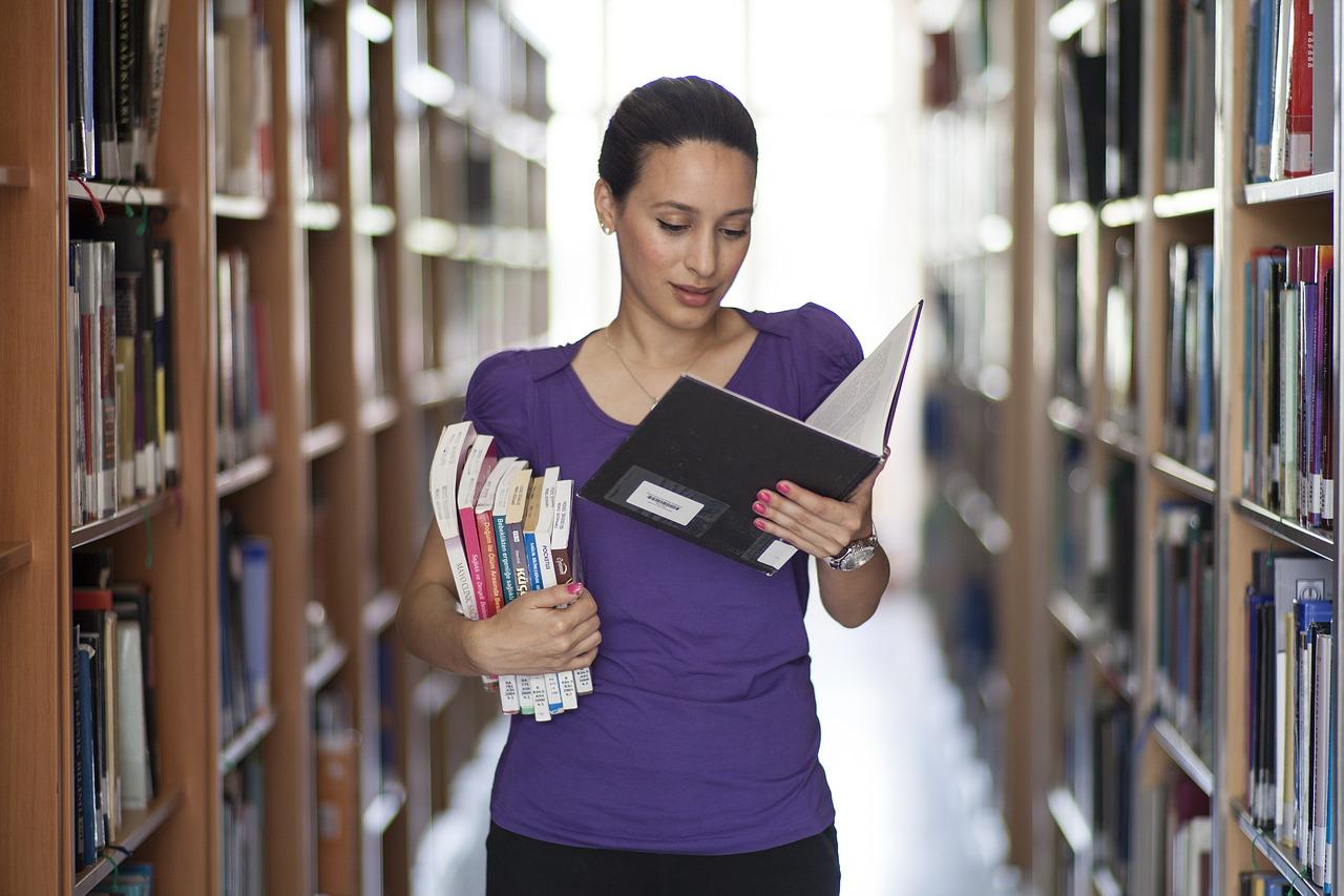 Convocadas 4 plazas de Auxiliar de Bibliotecas para la UAM -